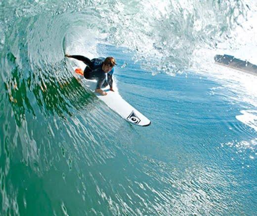 לימודי גלישת גלים